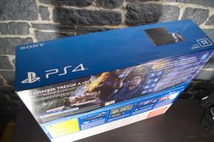 Playstation 4 (1To - Uncharted 4) (08)