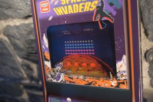 Space Invaders - Tomohiro Nishikado (Collector) (03)